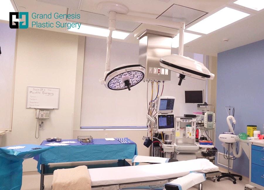 tummy-tuck-operating-room